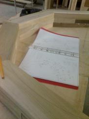 preparazione dei pezzi per l'assemblaggio