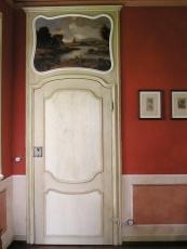 porta in centina con sopraporta incorniciante tela dipinta originale.