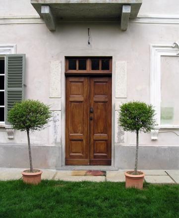 portone restaurato collina di Torino