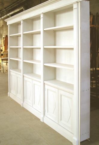 libreria prima della finitura